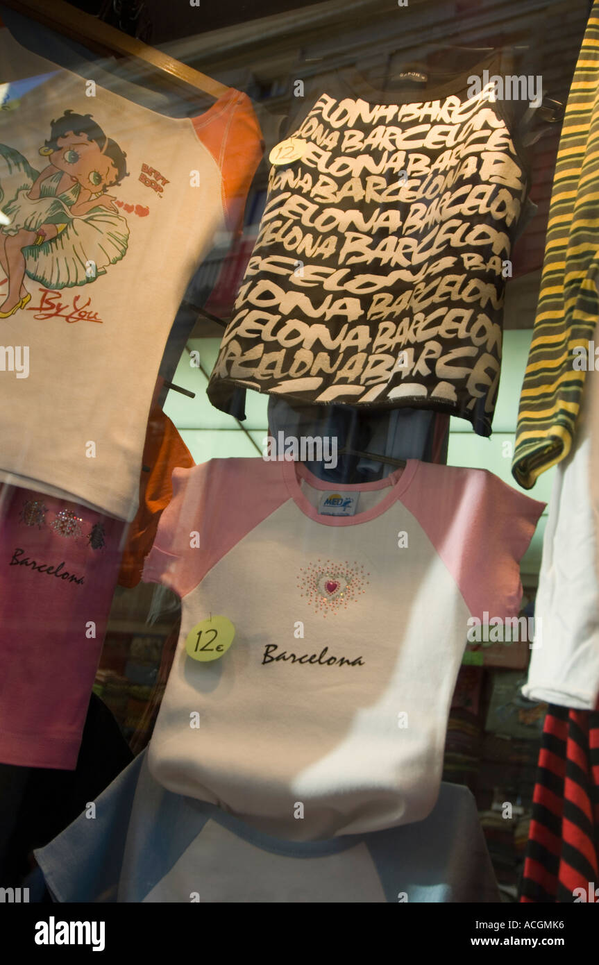Tee-shirts on the display in Barcelona shop - Stock Image