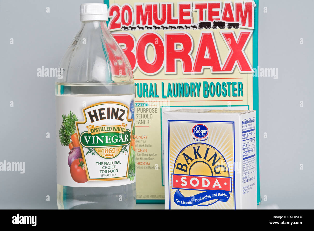 Non Toxic Cleaning Products Vingear Baking Soda And Borax Stock