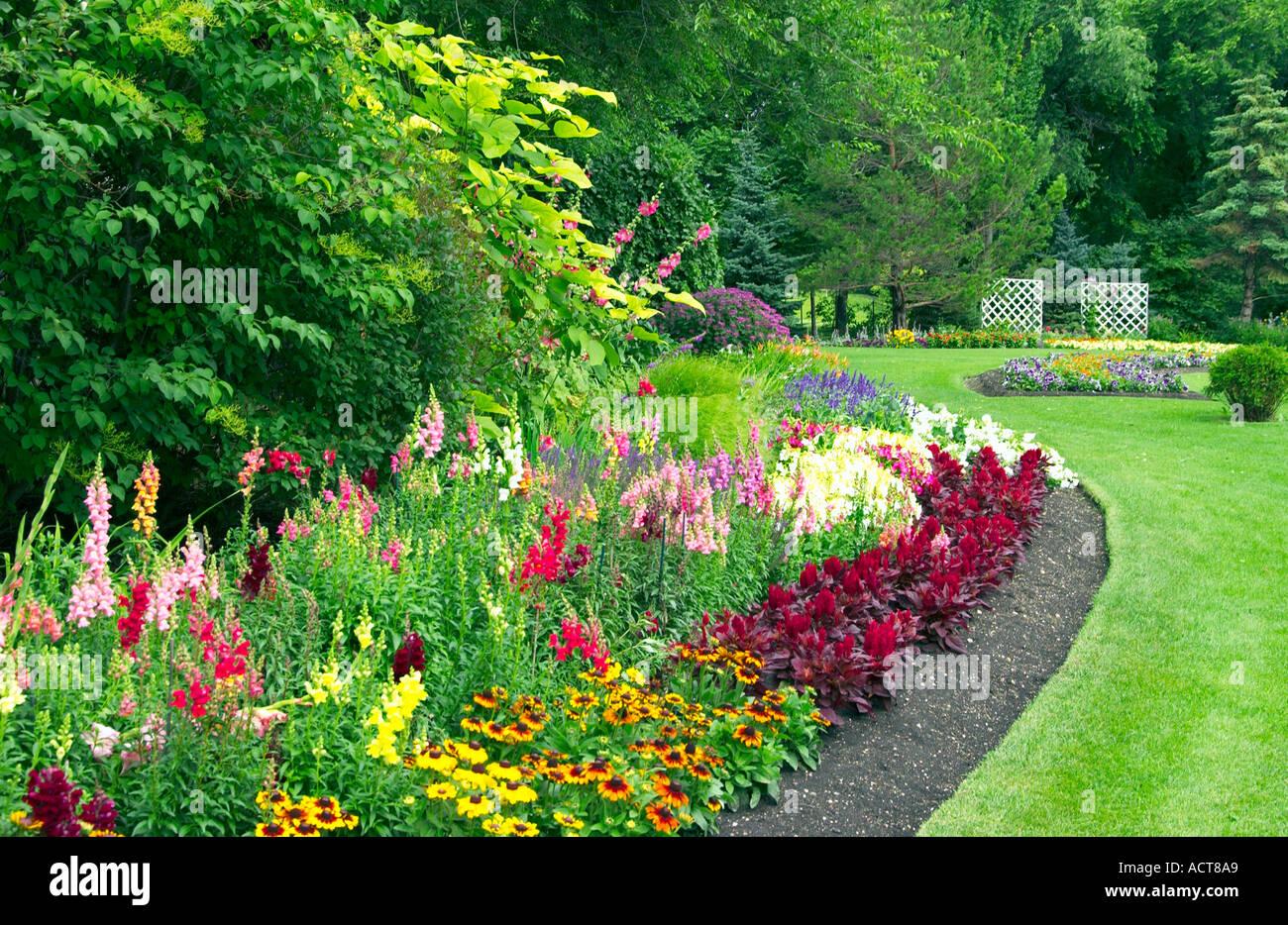 Formal Flower Garden In Kildonan Park In Winnipeg Manitoba Canada Stock Photo Alamy