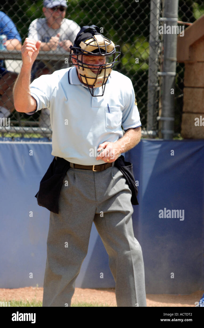 Baseball Umpire signals strike Stock Photo: 7557697 - Alamy