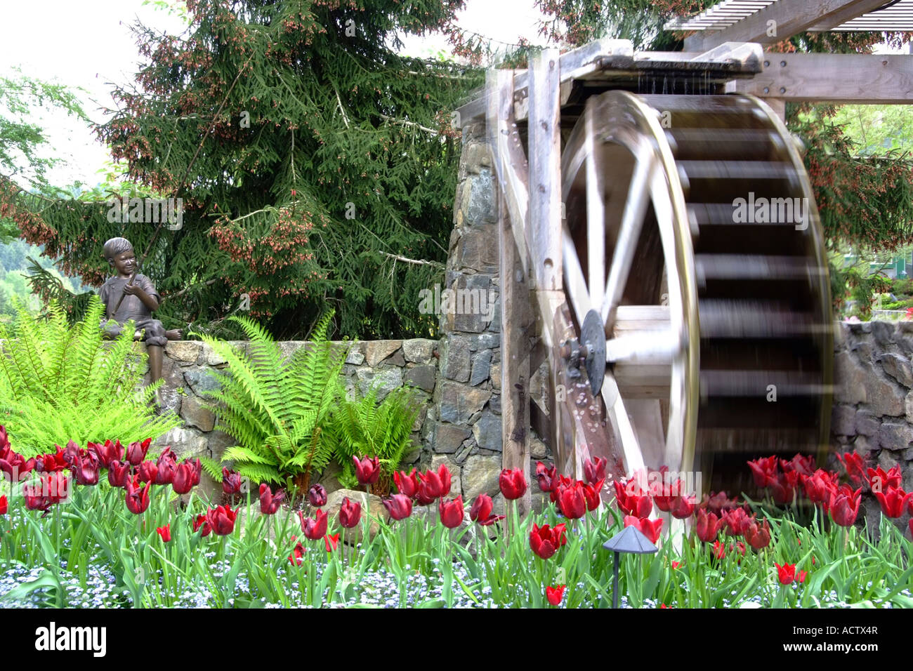 WATER WHEEL AT BUCHART GARDEN VICTORIA ISLAND, BC CANADA   Stock Image