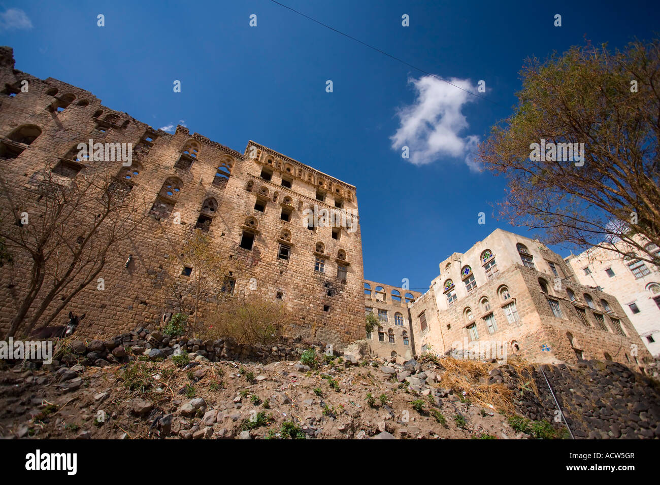 The ruins of the Former Palace of Queen Arwa Jibla near Taizz Yemen - Stock Image
