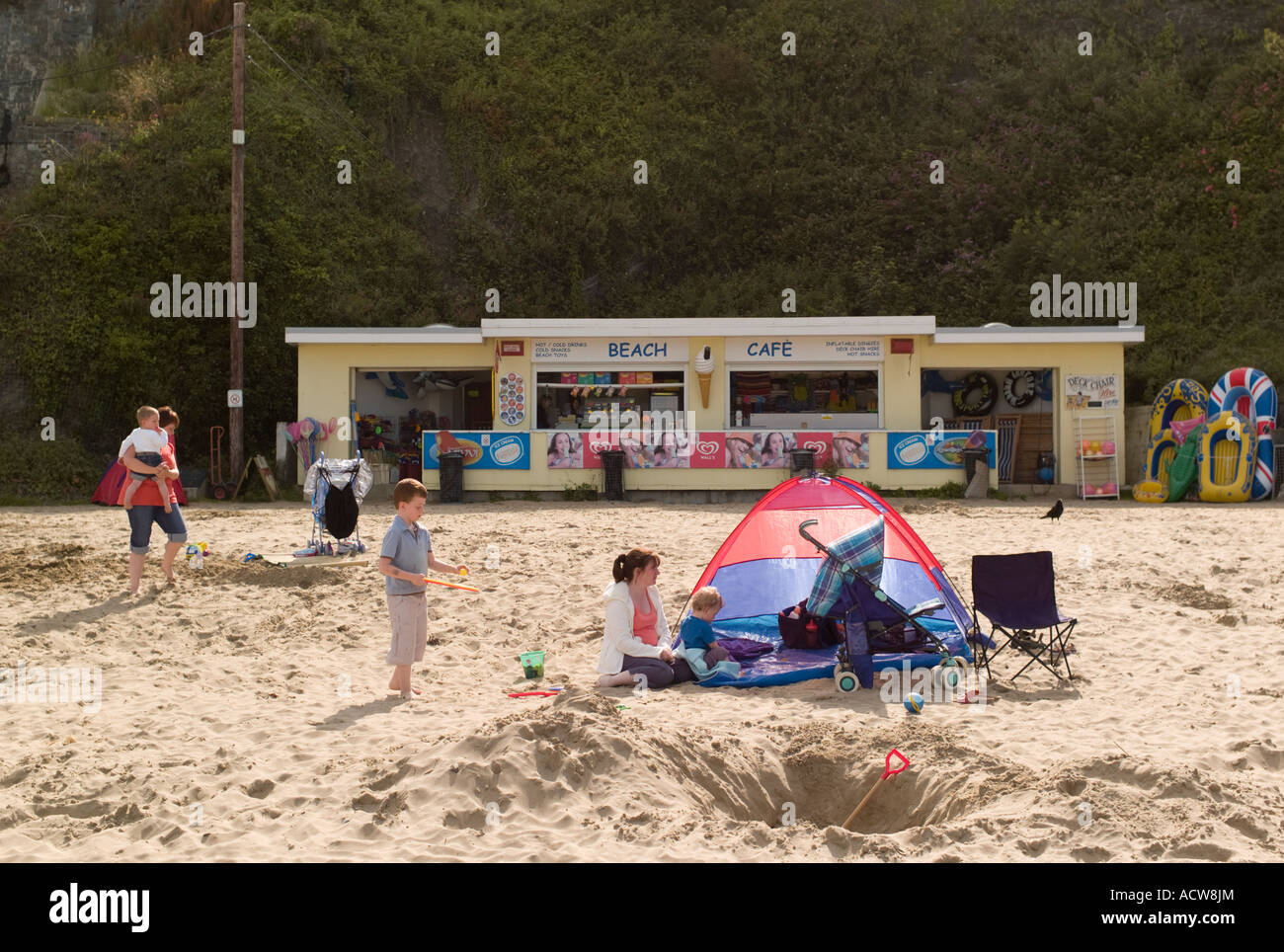 Beach cafe New Quay (Newquay / Cei Newydd) Ceredigion west wales coast, UK, summer afternoon - Stock Image