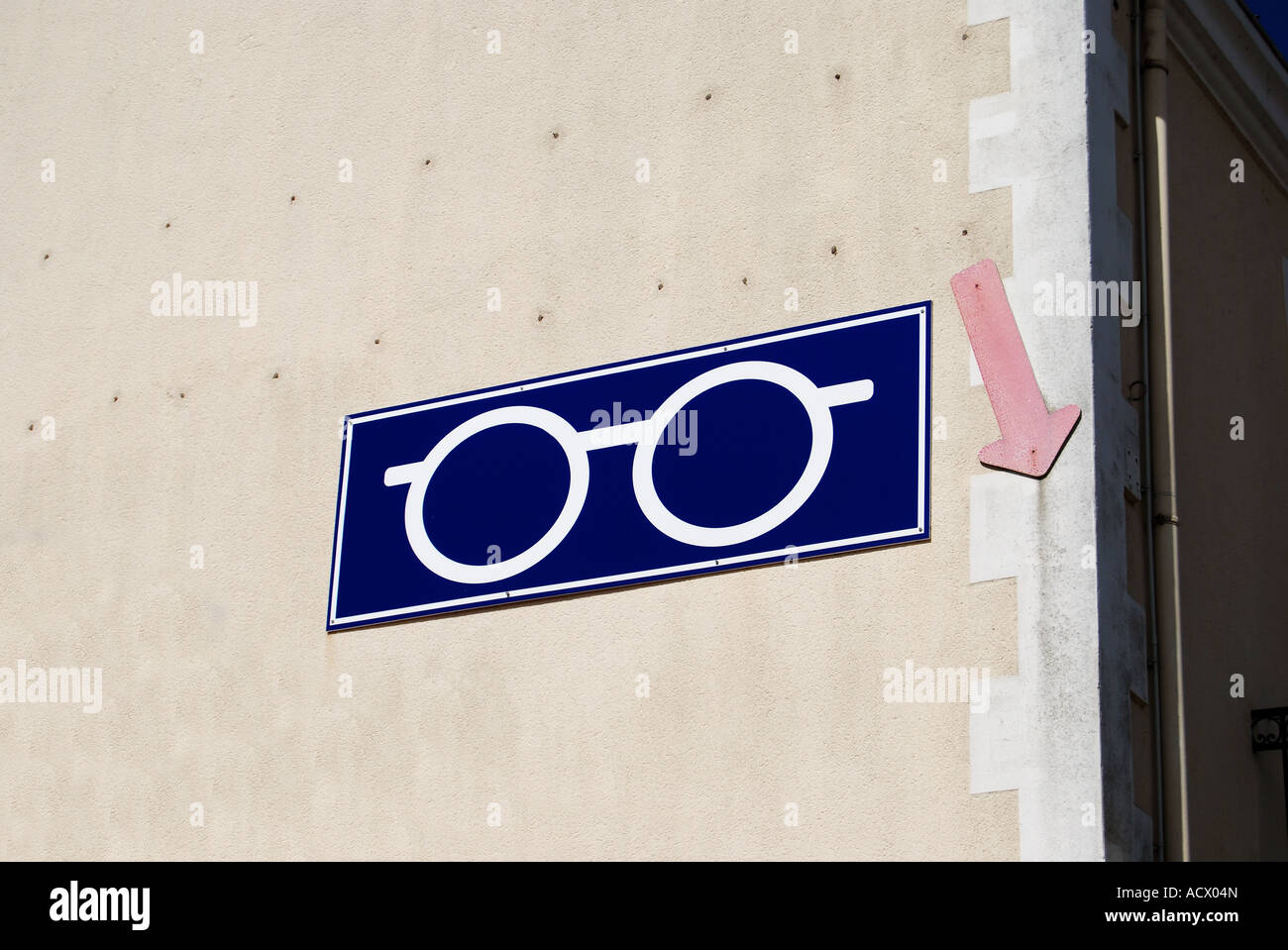 buy your spectacles here st gilles france no 2502 Stock Photo