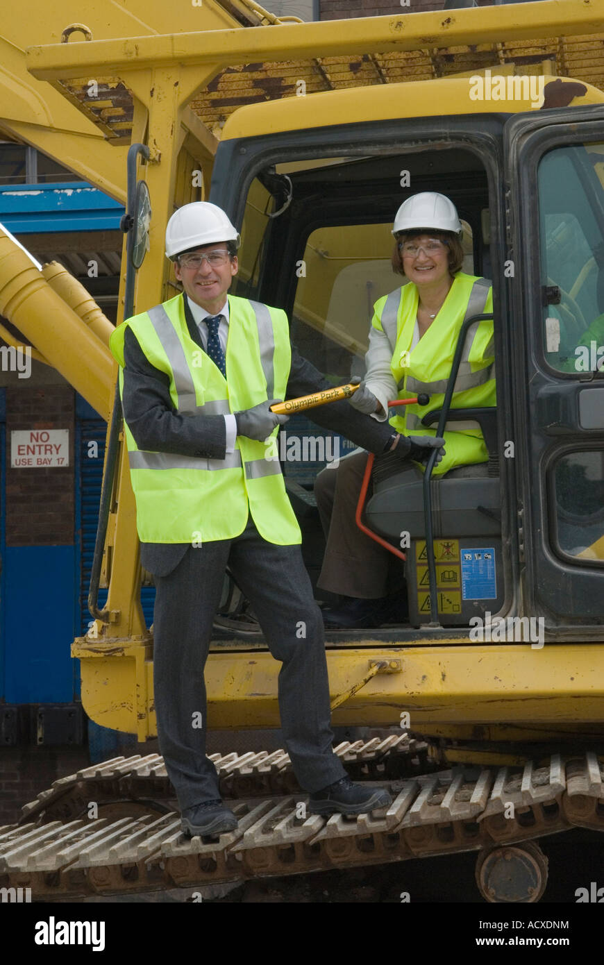Lord Seb Sebastian Coe and the Minister for the Olympics Tessa Jowell with symbolic Olympic Park baton - Stock Image