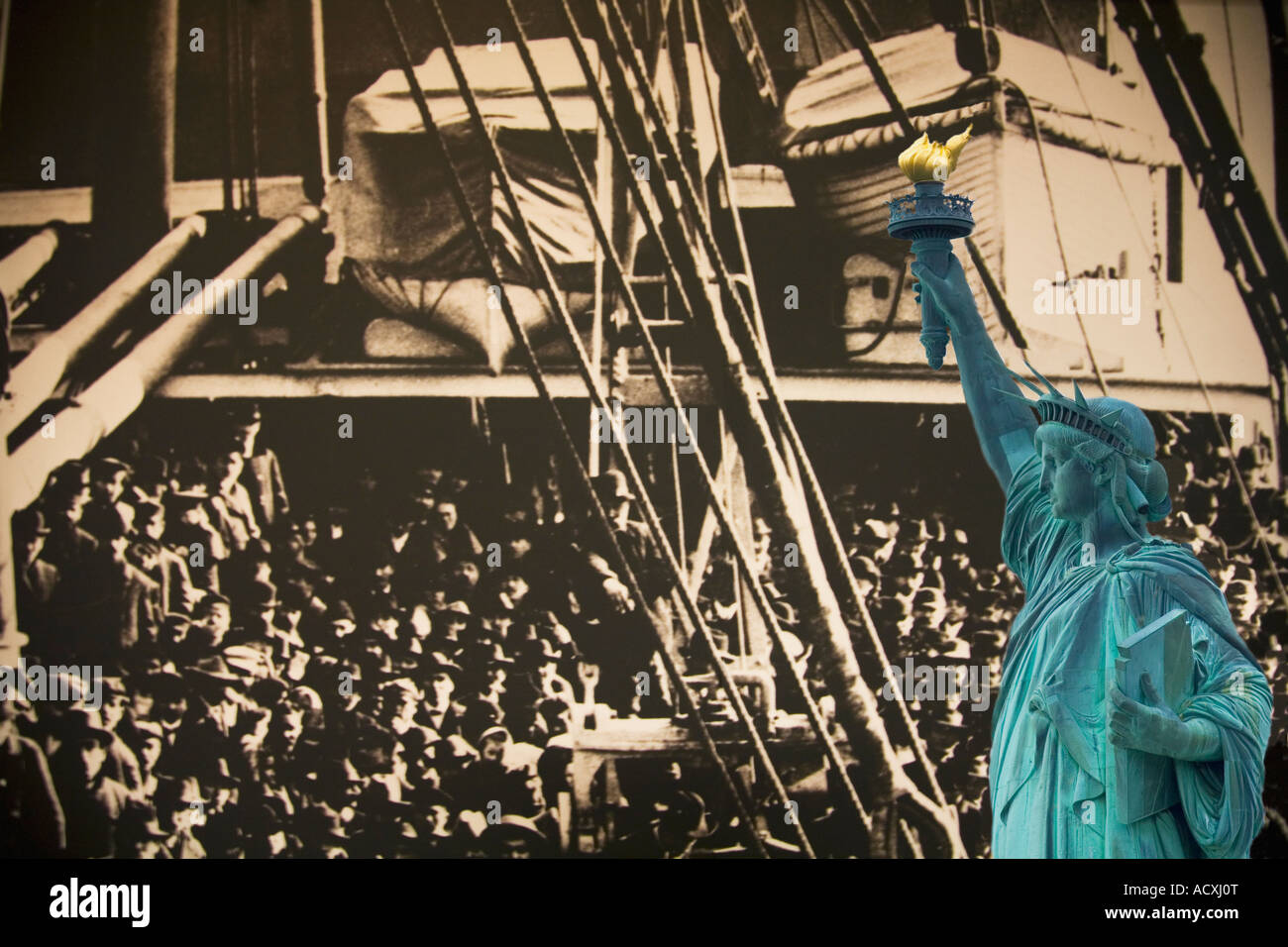 'Statue of Liberty' immigration immigrants composite Lady Liberty welcomes immigrants from Europe to New - Stock Image
