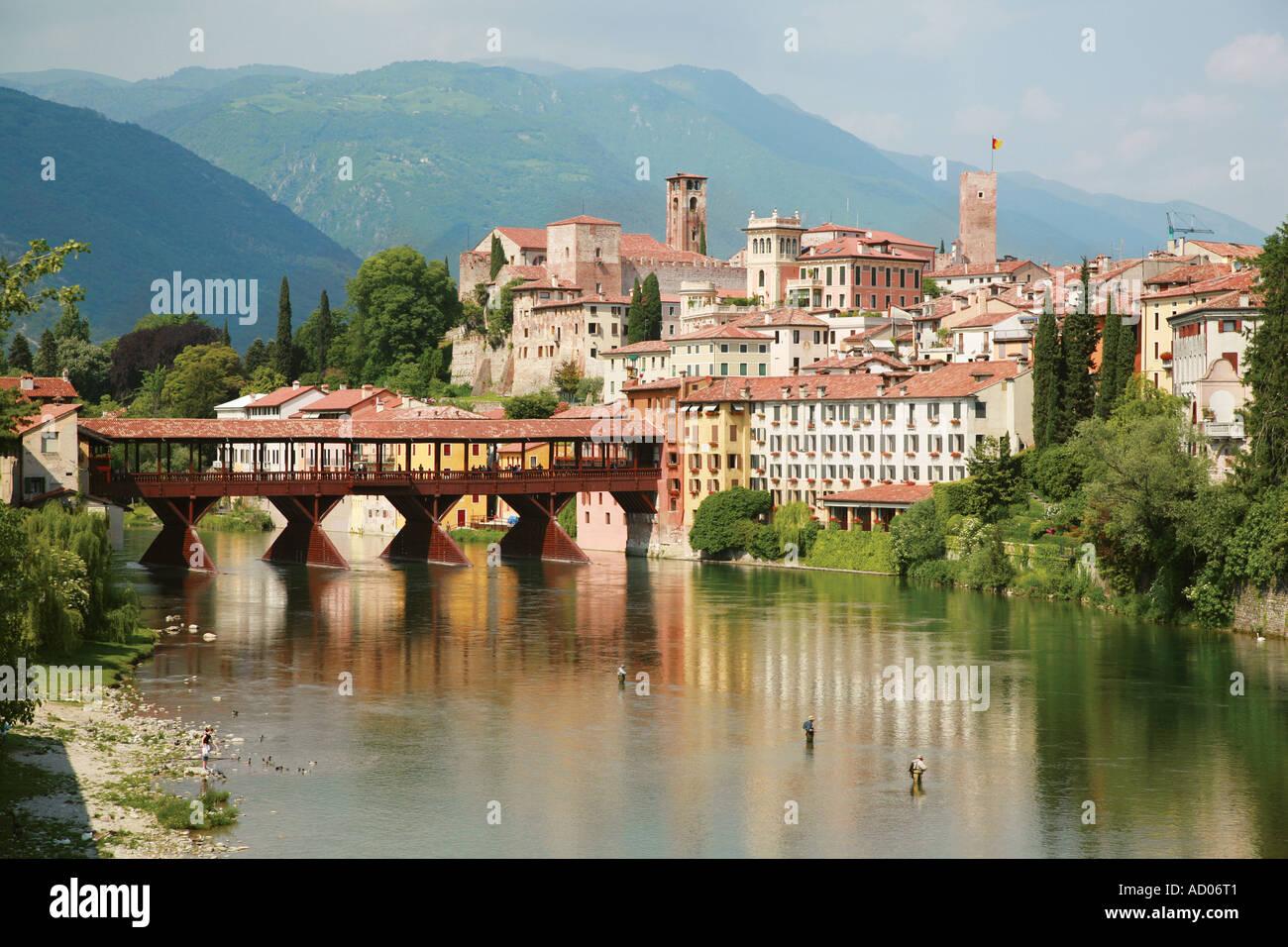 The old bridge over the river in bassano del grappa in for Arredamento bassano del grappa