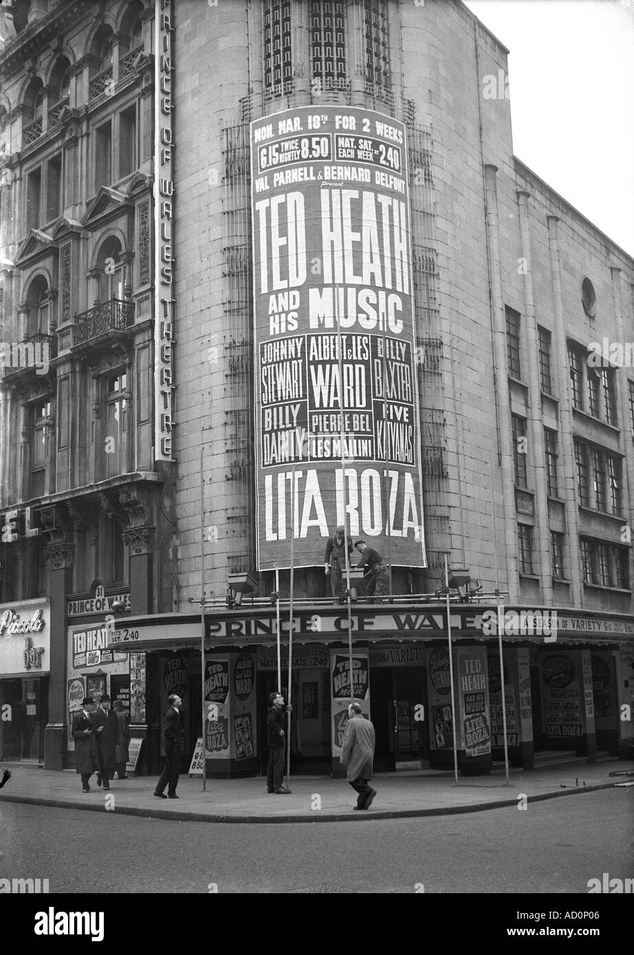 Billboard advertising Ted Heath and his Music outside Prince of Wales Theatre. Photo by Harry Hammond. UK, 1956. - Stock Image