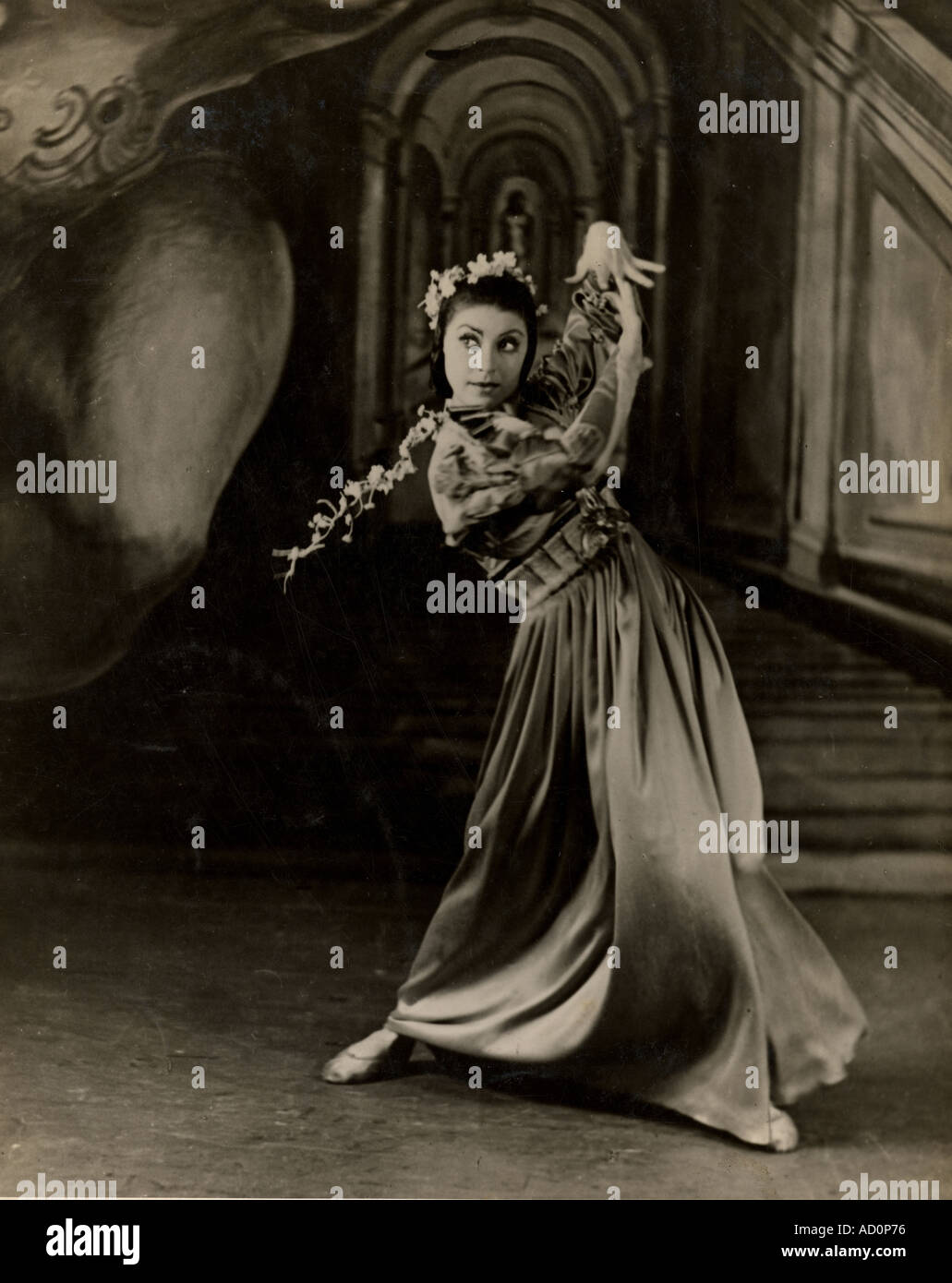 Margot Fonteyn as Ophelia. Photo by Gordon Anthony. London, England, 1942. - Stock Image