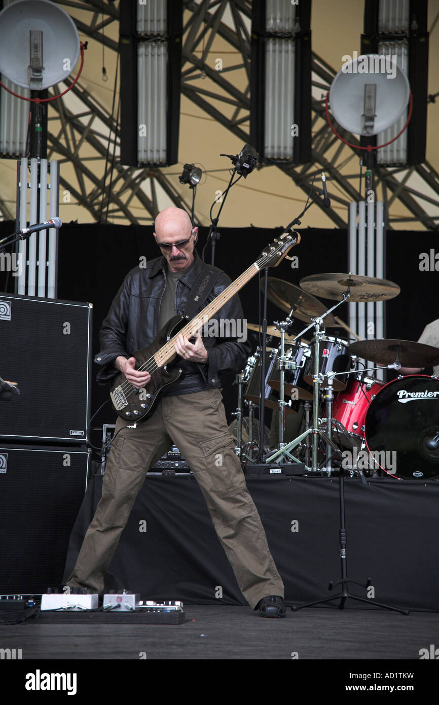Tony Levin bass guitarist Peter Gabriel band sound check Eden Stock