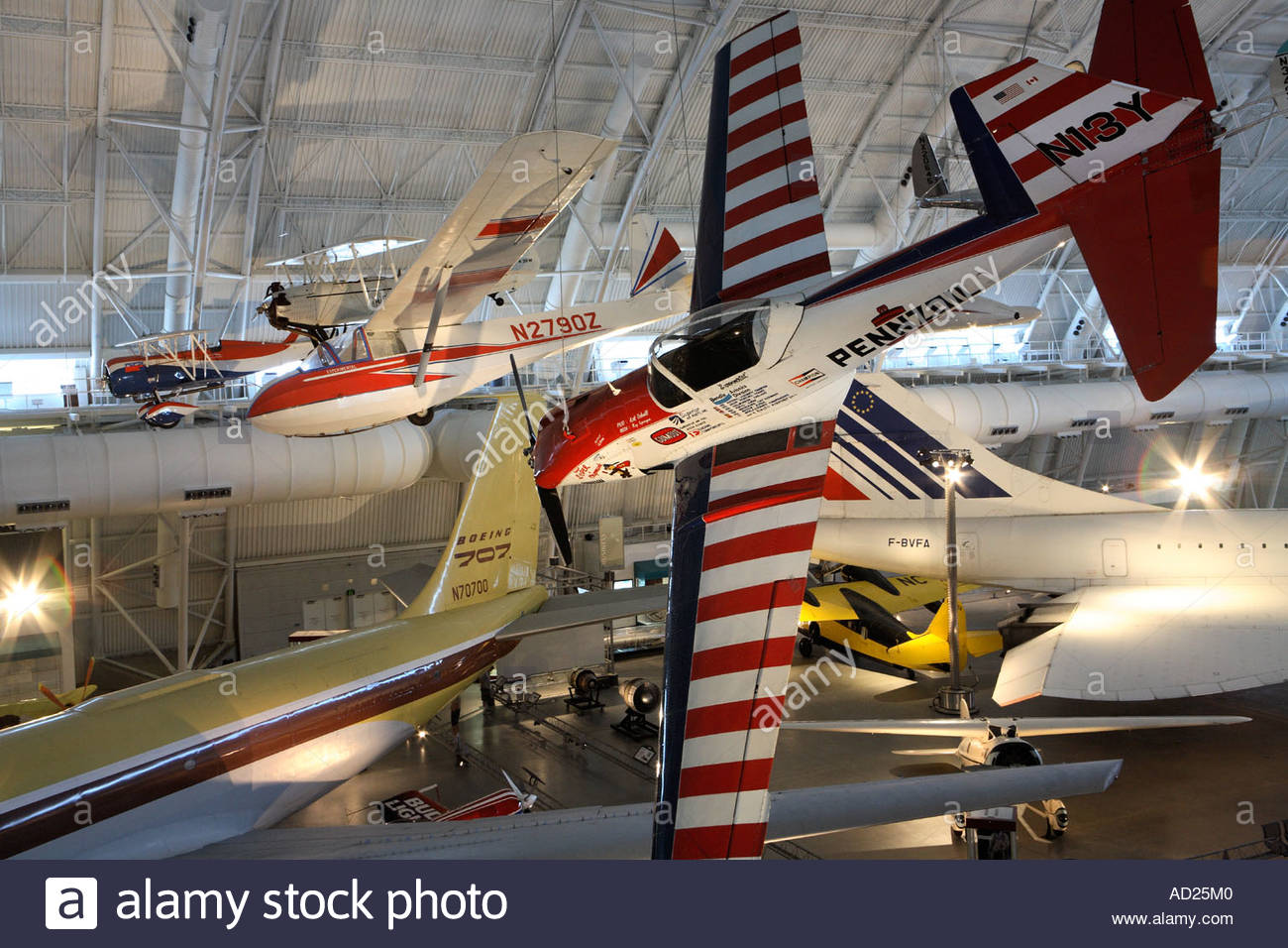 Pennzoil Special and de Havilland DHC-1A aircraft on display at the Steven Udvar-Hazy Center. - Stock Image
