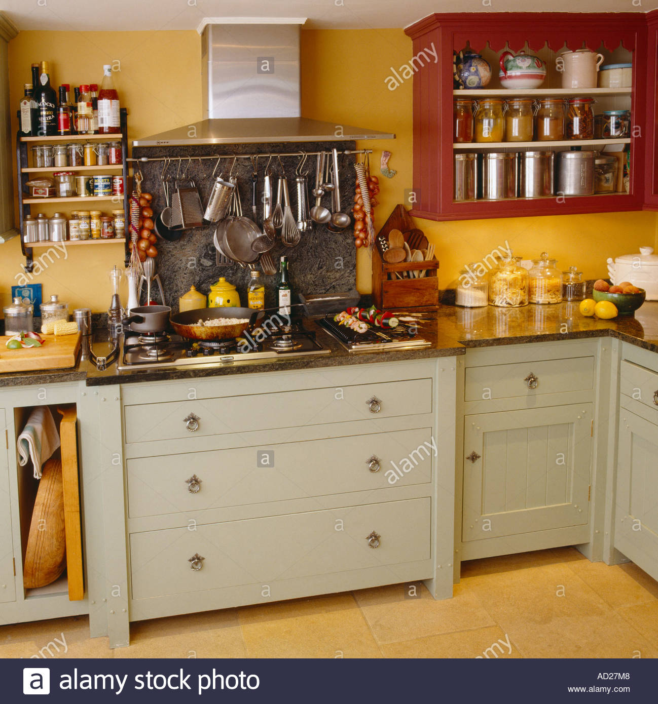 English Hob Kitchen ~ Shaker style stock photos images alamy