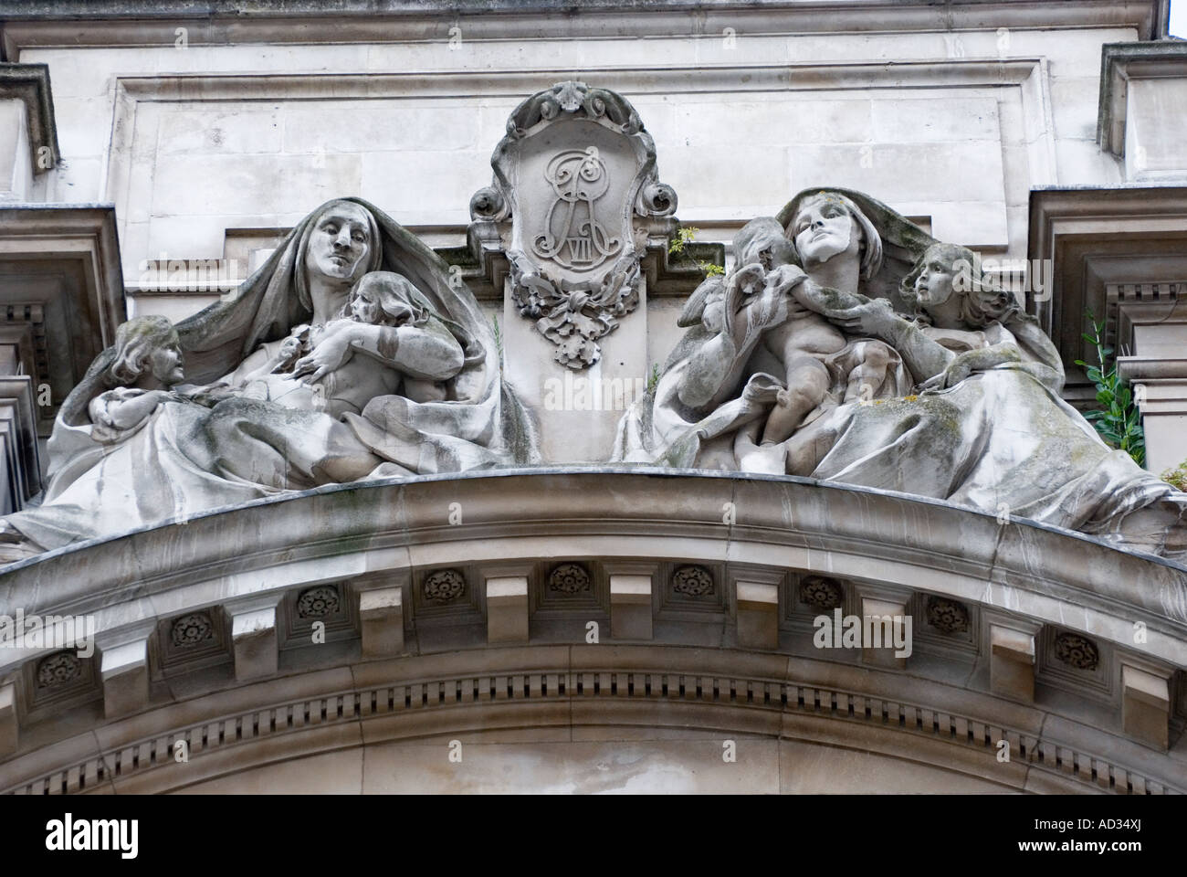 Sculpture by Alfred Drury on Old War Office Building in Horse Guards Avenue, London, England, UK - Stock Image