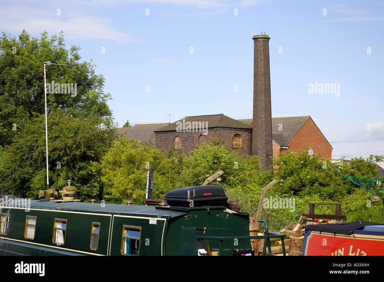Hawkesbury Junction Pump House and narrowboats - Stock Image