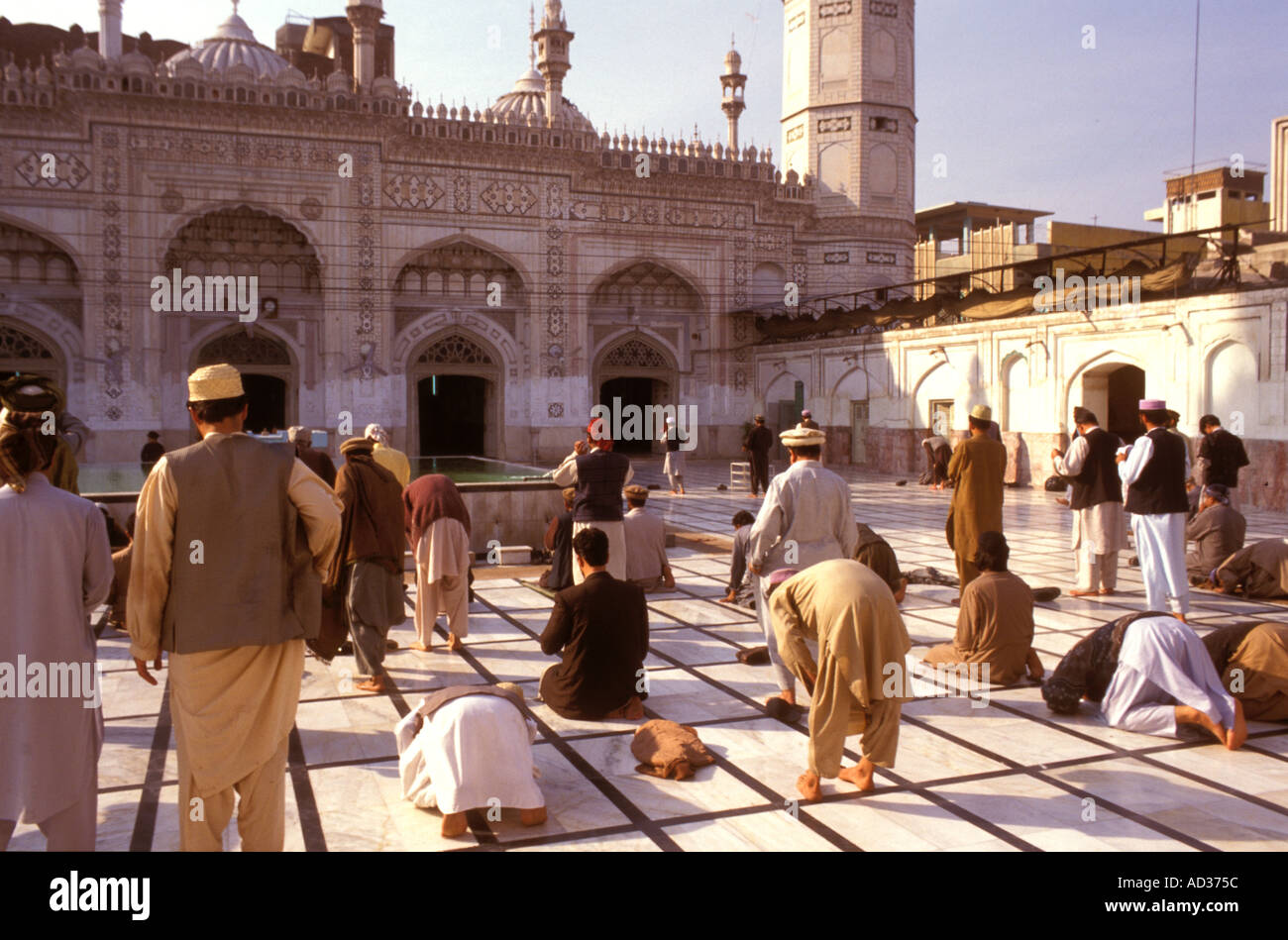 Prayer in Mahabat Khan mosque in Peshawar Pakistan - Stock Image