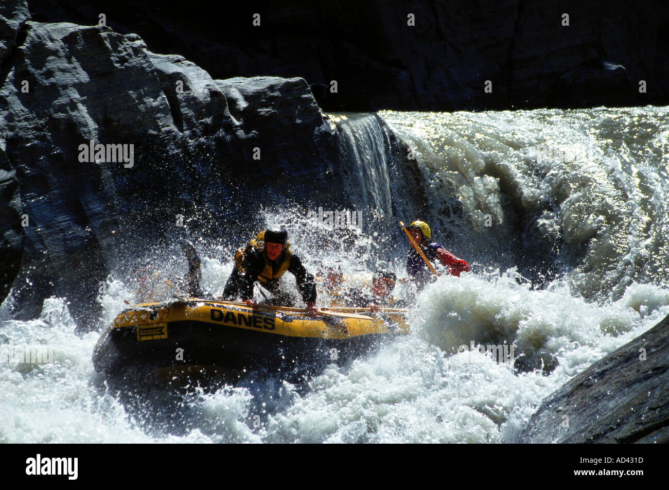 extreme white water rafting location new zealand. Black Bedroom Furniture Sets. Home Design Ideas