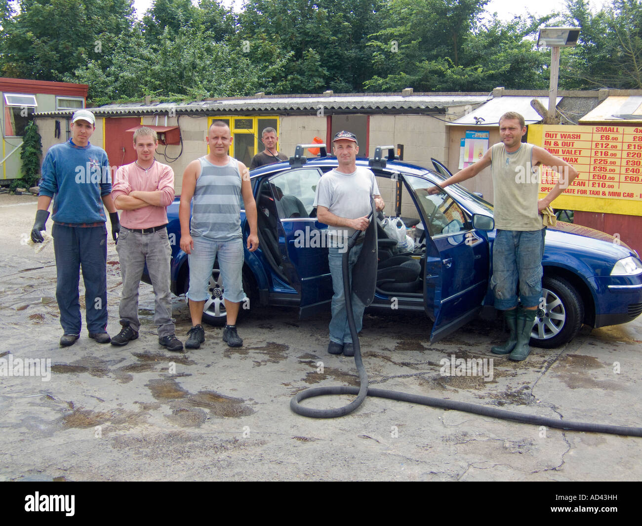 Local Car Wash >> The Team At The Local Hand Car Wash Stock Photo 13297852