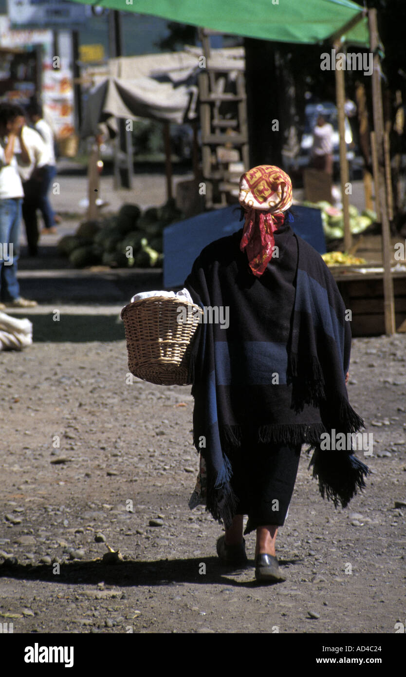 CHILE NATIVE MAPUCHE WOMAN TEMUCO SOUTHERN CHILE - Stock Image