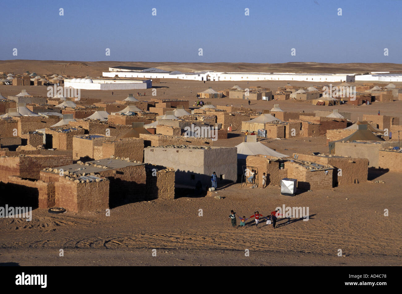 WESTERN SAHARA CHILDREN AT POLISARIO 27 FEBRUARY CAMP Stock Photo