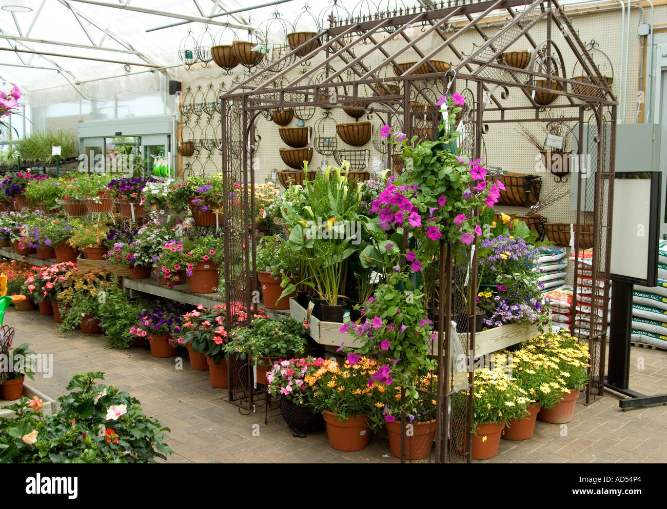 Greenhouse Garden Shop Stock Photo: 7604323 - Alamy