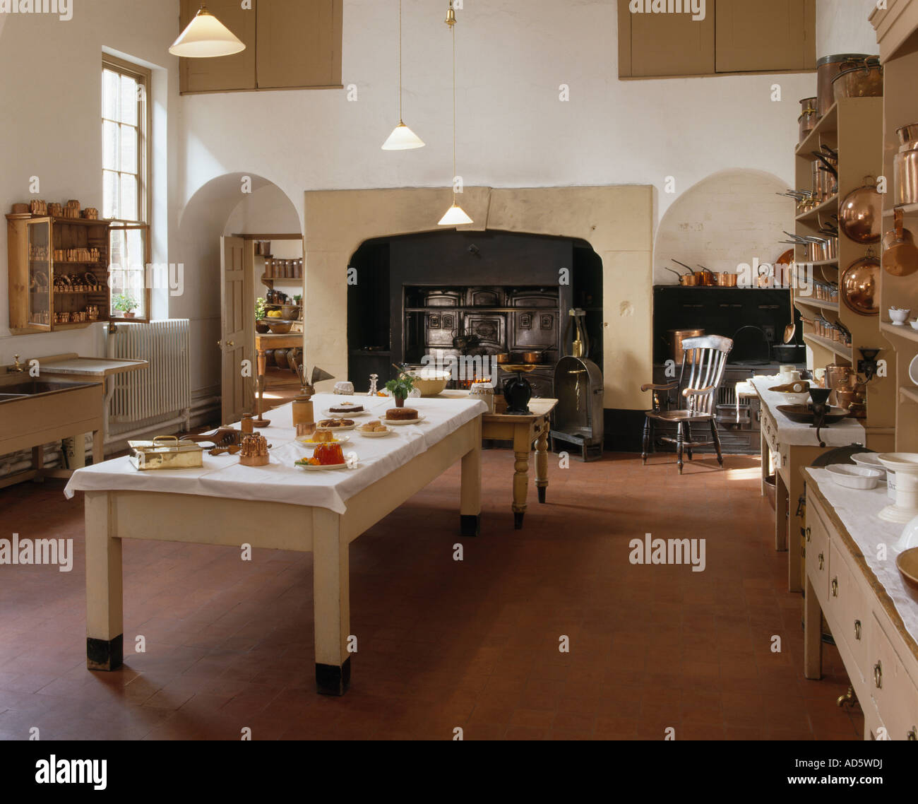 Victorian Kitchen: Large Victorian Kitchen With Central Table And Terracotta
