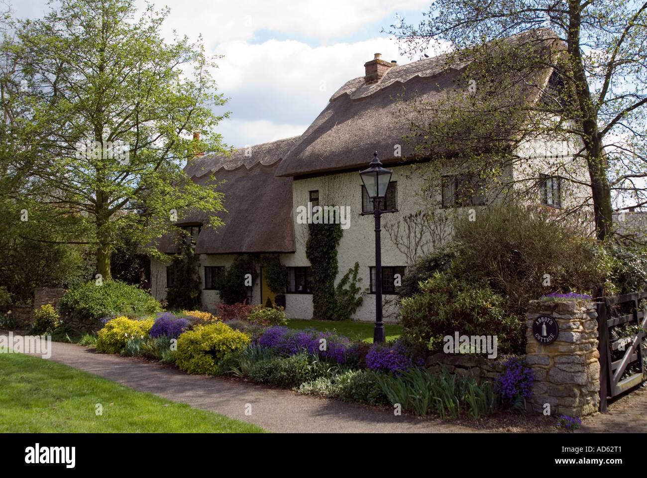 PICTURE CREDIT DOUG BLANE Milton Keynes village - Stock Image