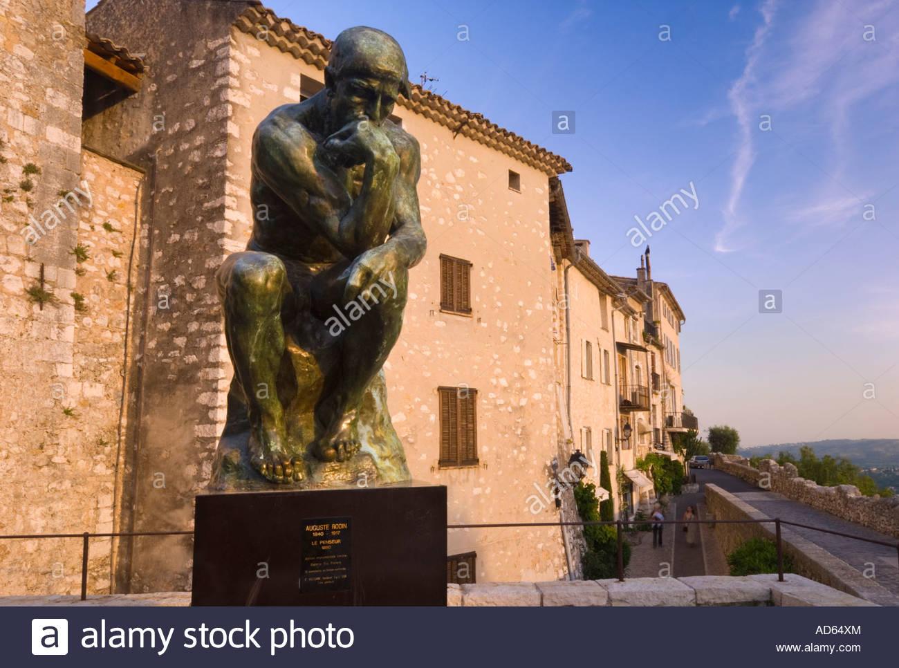 Replica statue of Rodin's 'The Thinker' in St Paul De Vence, near Nice, Côte d'Azur, France - Stock Image