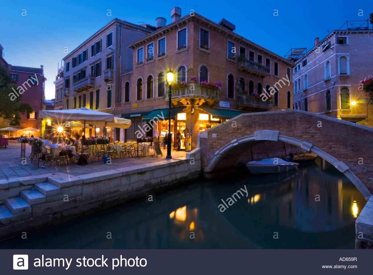 Alfresco dining, Campo Santa Maria Nova, Cannaregio, Venice, Italy - Stock Image