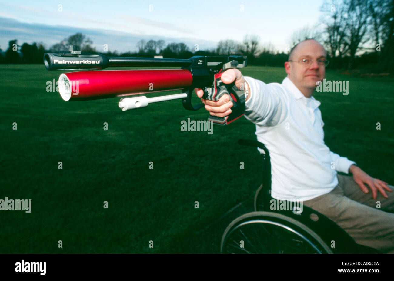 PICTURE CREDIT DOUG BLANE Archer Grant Miller training for the para Olympics Stock Photo