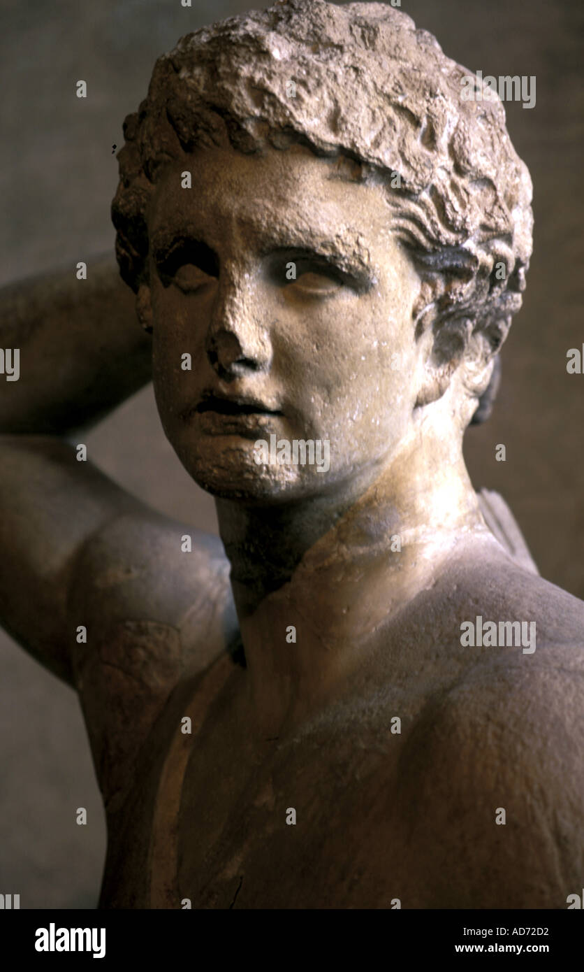 ITALY ROME VILLA MEDICIS FRENCH PROPERTY AN ANTIQUE STATUE EXPOSED IN THE HALL - Stock Image