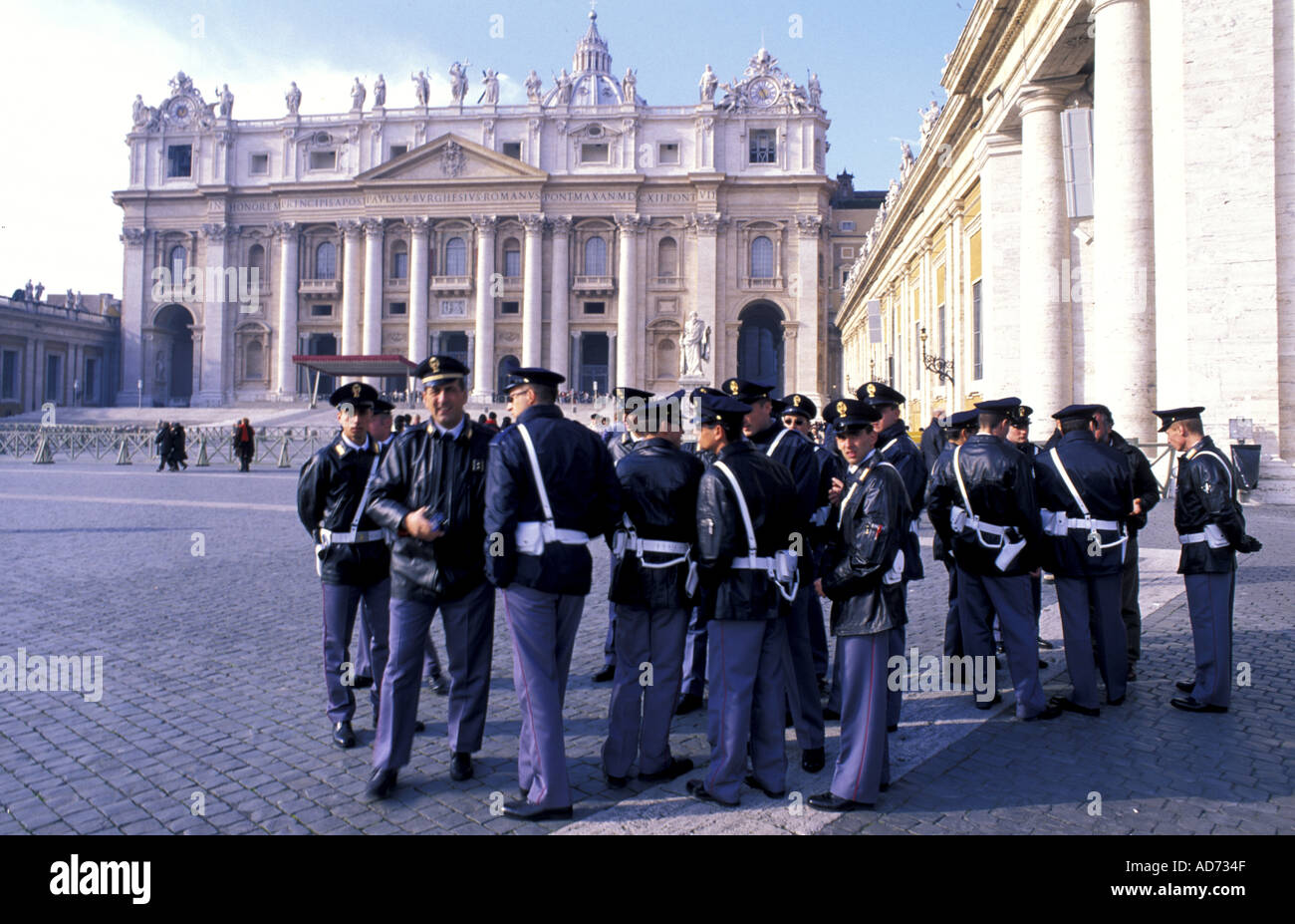 ITALY ROME VATICAN ST PETERS SQUARE CLUSTER OF POLICEMEN BEFORE POPE S SUNDAY BLESSING Stock Photo
