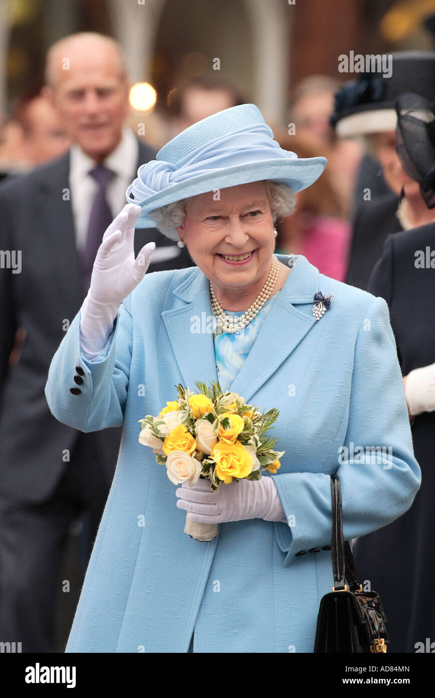 queen dressed in blue vist to romsey to receive magna carter charter of the hampshire town - Stock Image