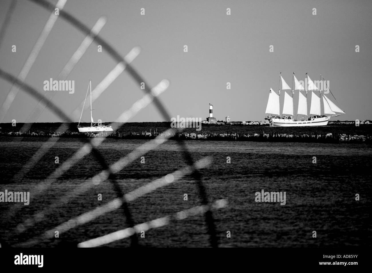 navy pier iron fence and chicago harbor navy pier chicago illinois - Stock Image