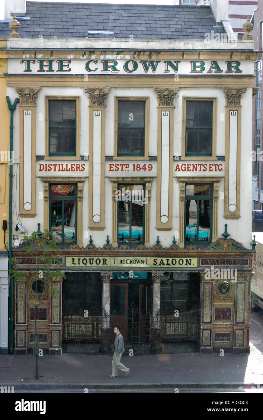 The front facade of the famous Belfast landmark of Crown Liquor Saloon Bar - Stock Image