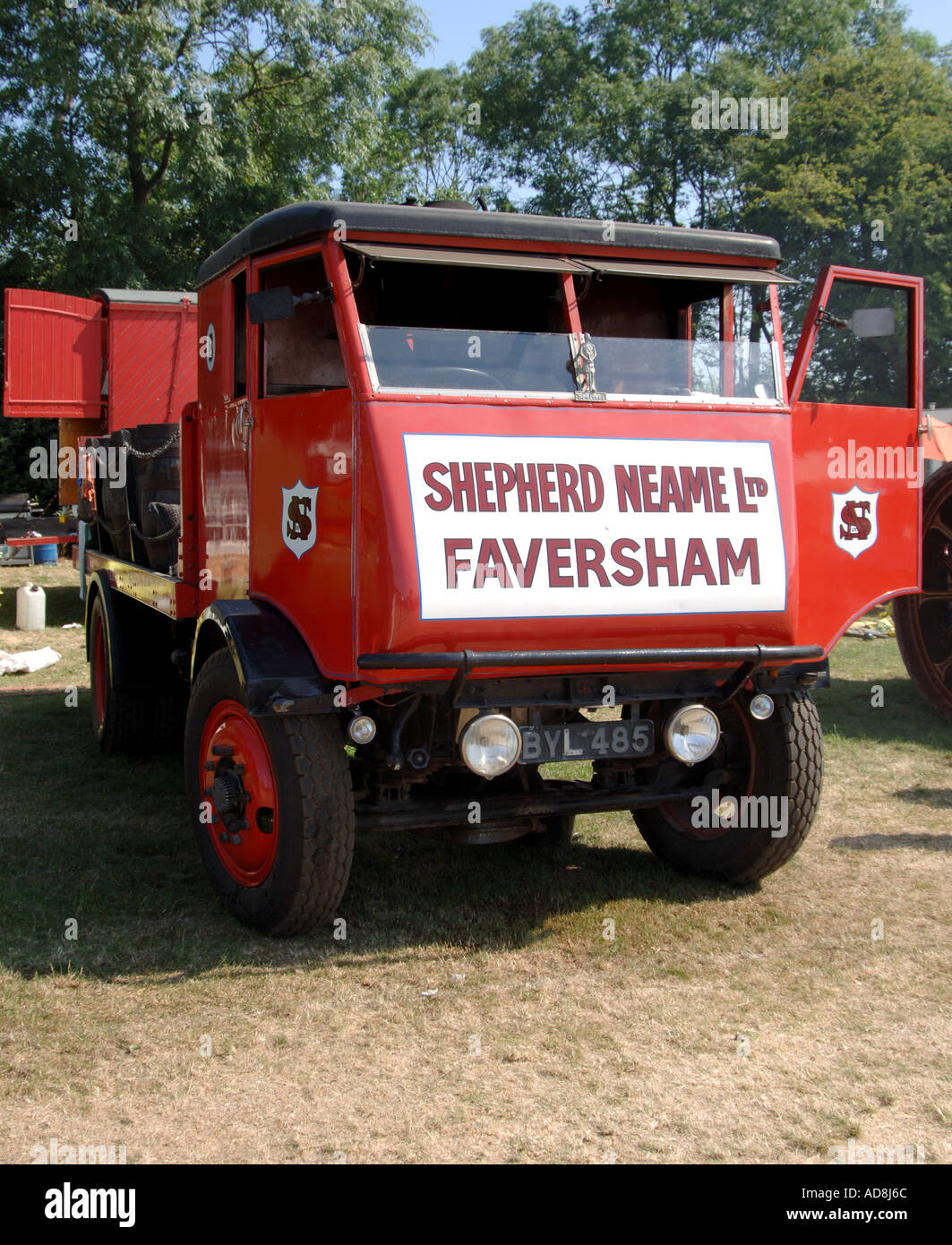 steam lorry from Shepherd Neame brewers - Stock Image