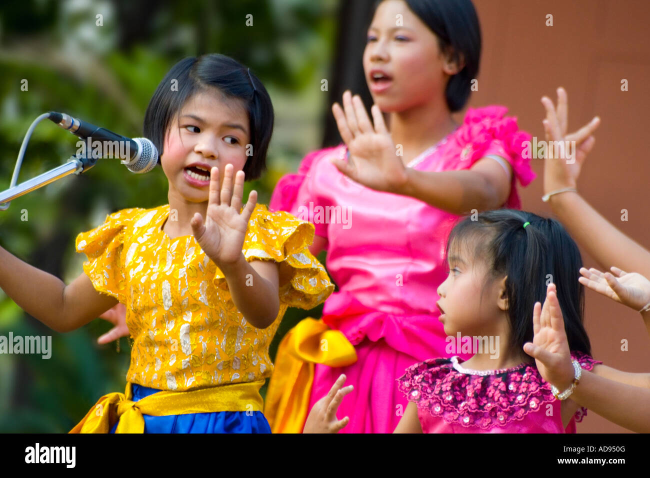 young thai girls