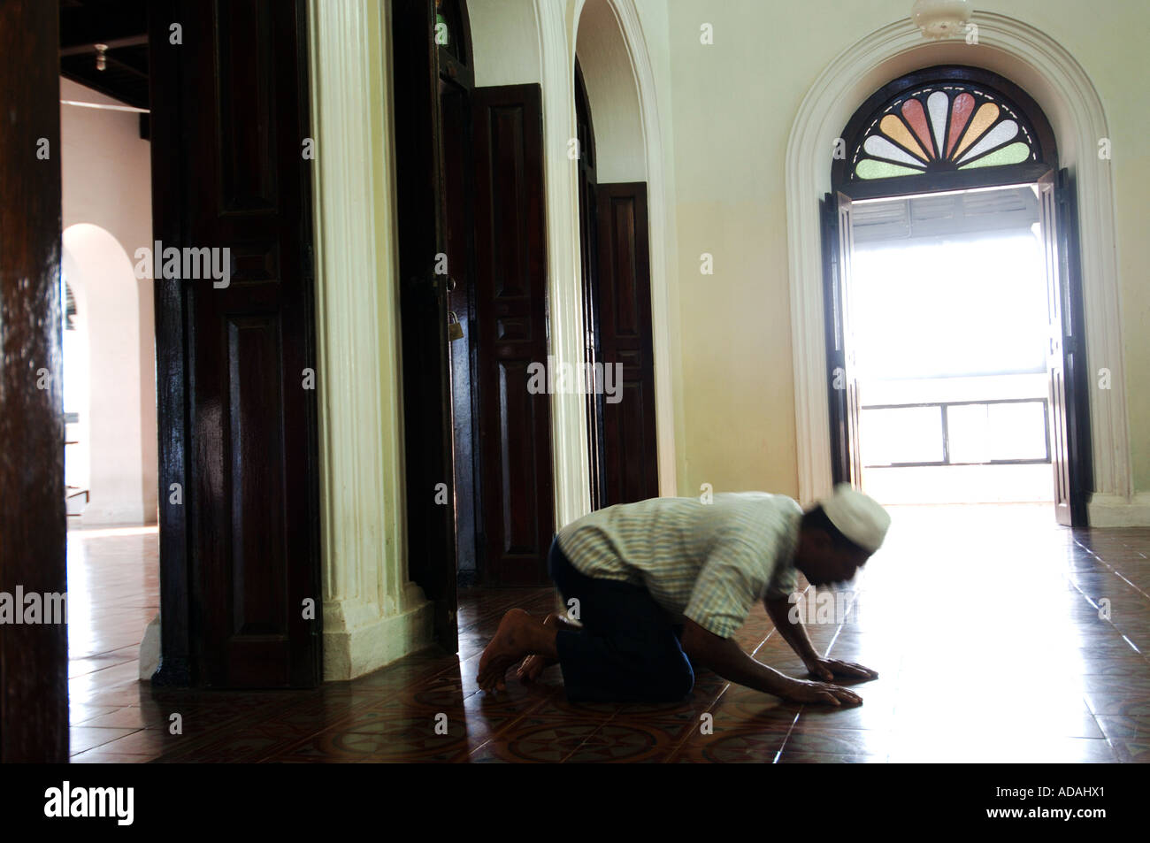 Galle Fort a moslem praying in the Meeran Jumma Masjid mosque Stock Photo