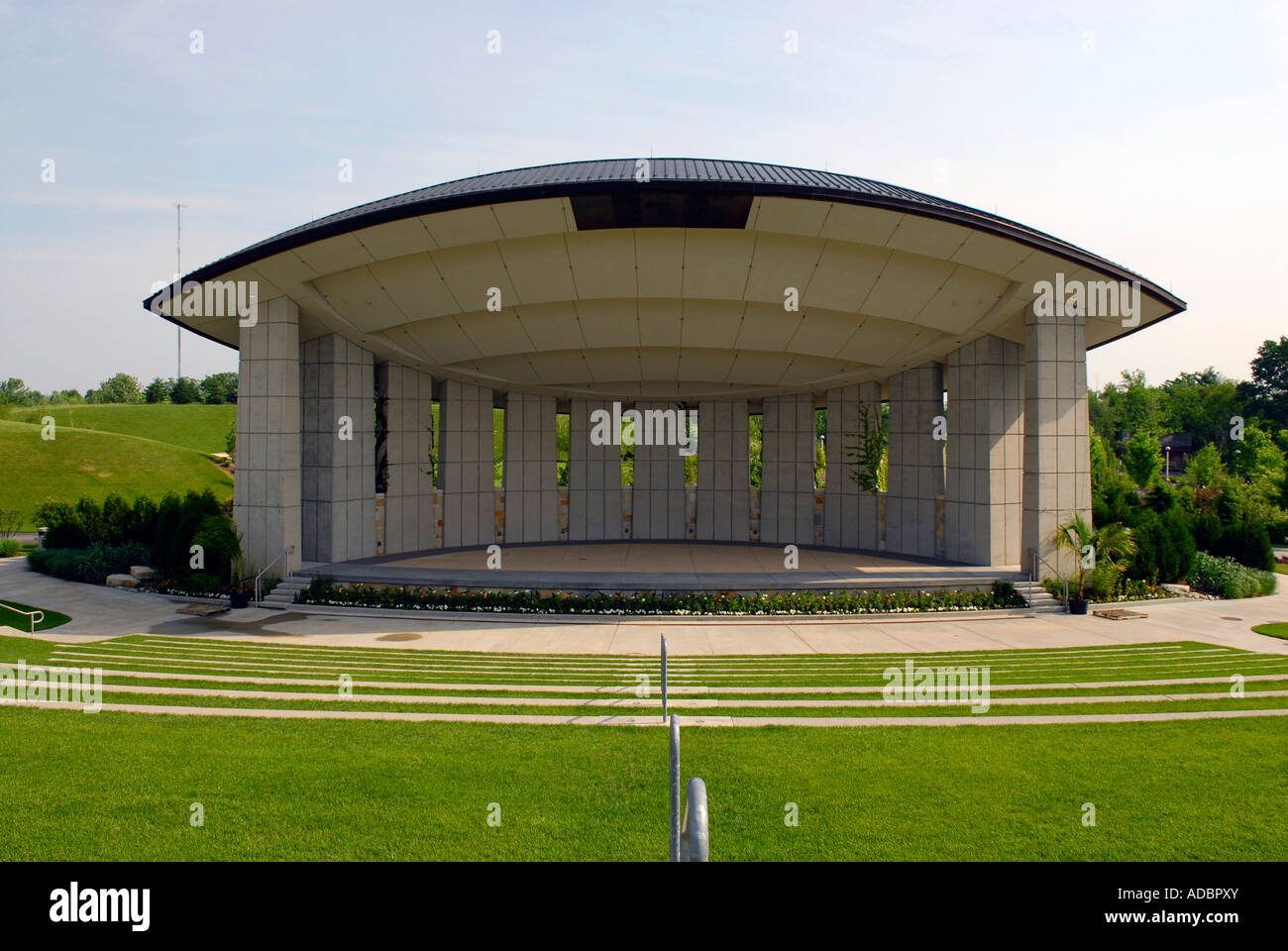 Amphitheater at the Frederik Meijer Gardens and Sculpture Park in ...