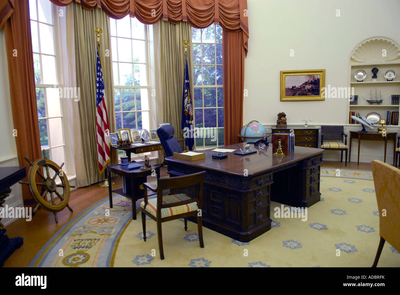 oval office white house. Plain Office Presidents White House Oval Office At Gerald R Ford Presidential Museum  Grand Rapids Michigan MI To M