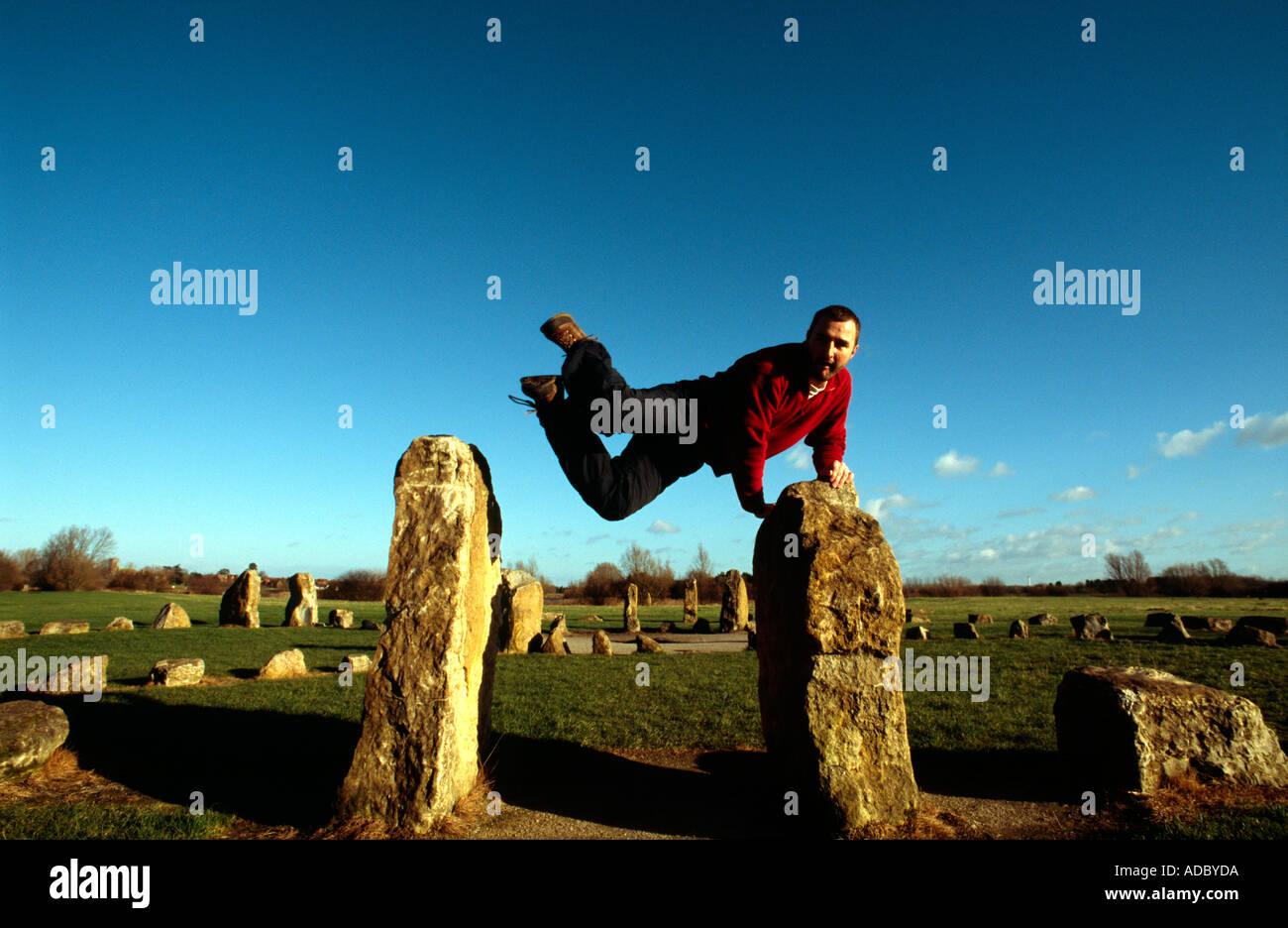 PICTURE CREDIT DOUG BLANE Doug Blane practicing Le Parkour freerunning at the stone circle Willen Milton Keynes - Stock Image