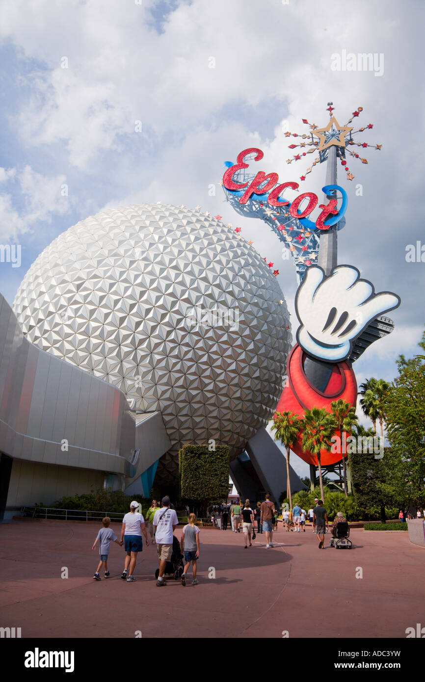 Guests leaving Epcot Center at Walt Disney World in Kissimmee Florida - Stock Image