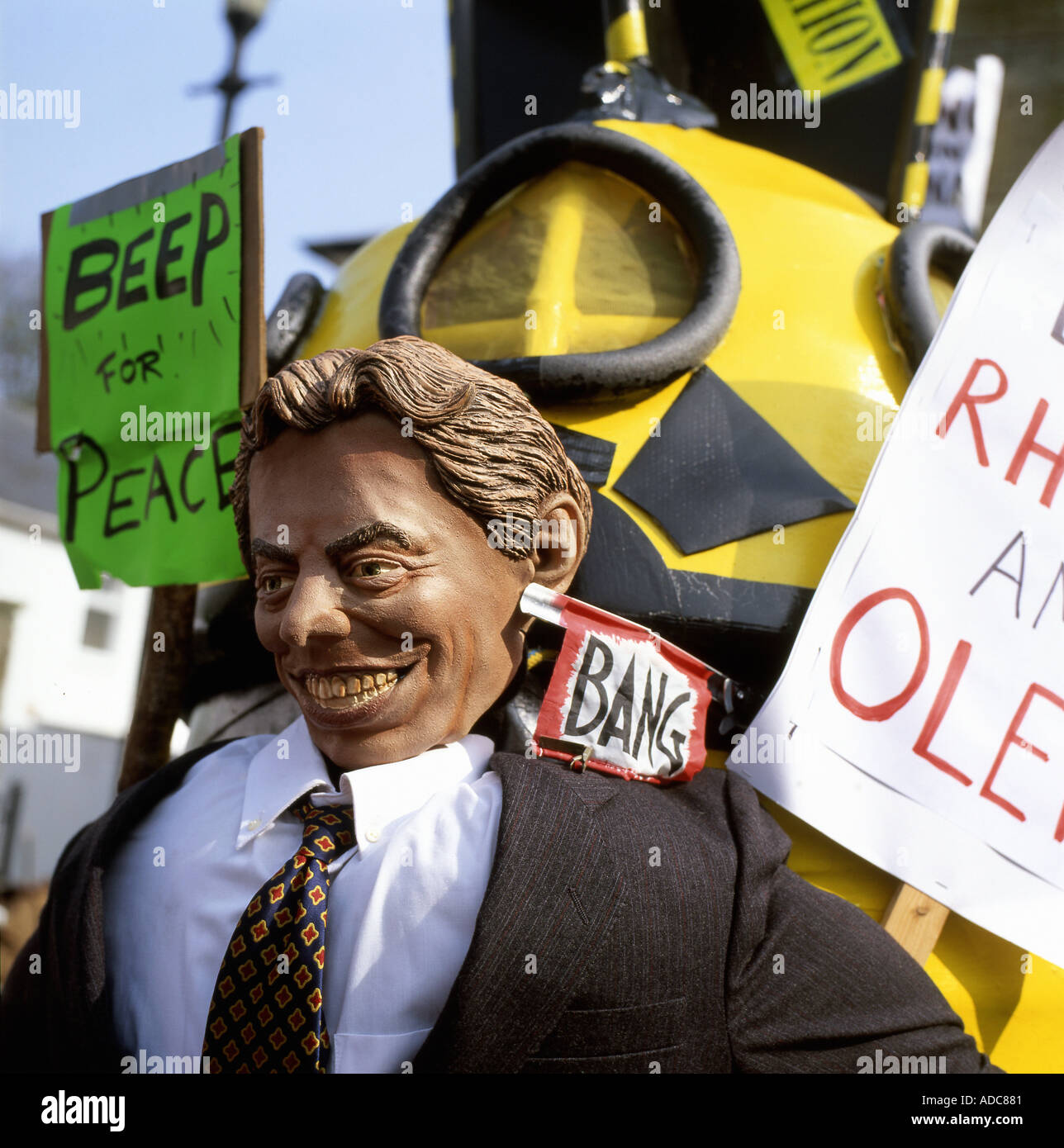 Tony Blair effigy at Anti War Rally in Lampeter Ceredigion Wales UK in March 2003 - Stock Image