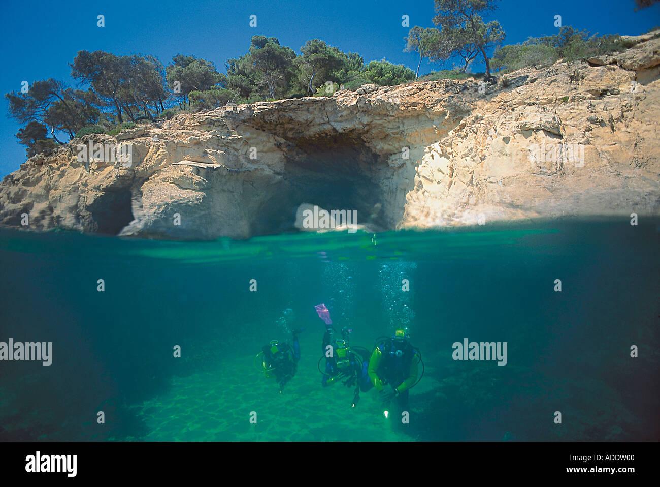 Tauchen in einer Bucht, Mallorca, Balearen Spanien - Stock Image