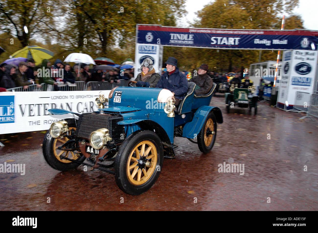 1903 Daimler driven by Lord Montagu 2003 London to Brighton Run - Stock Image