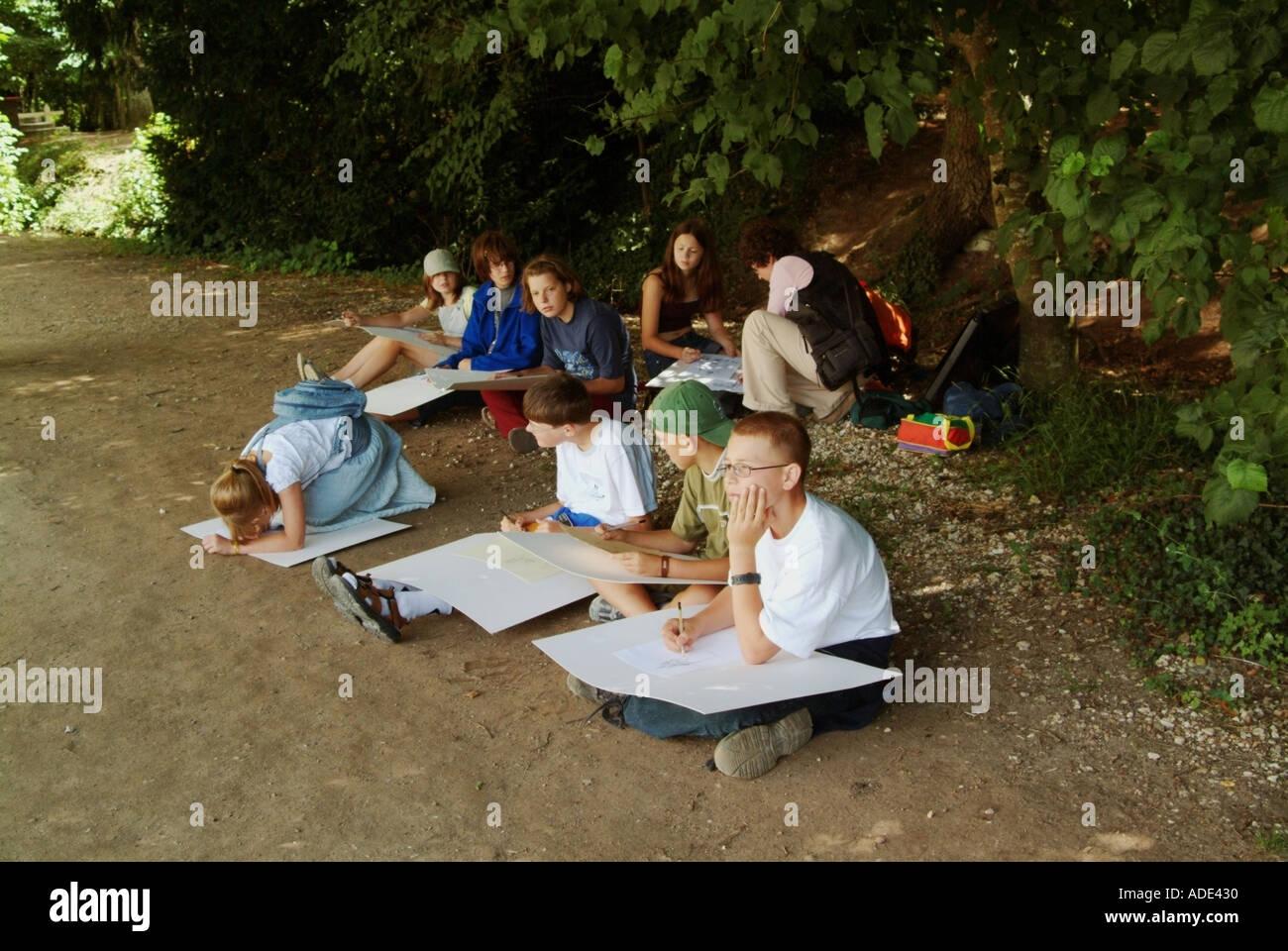 france chateau chenonceau catherine de medicis garden schoolchildren painting - Stock Image