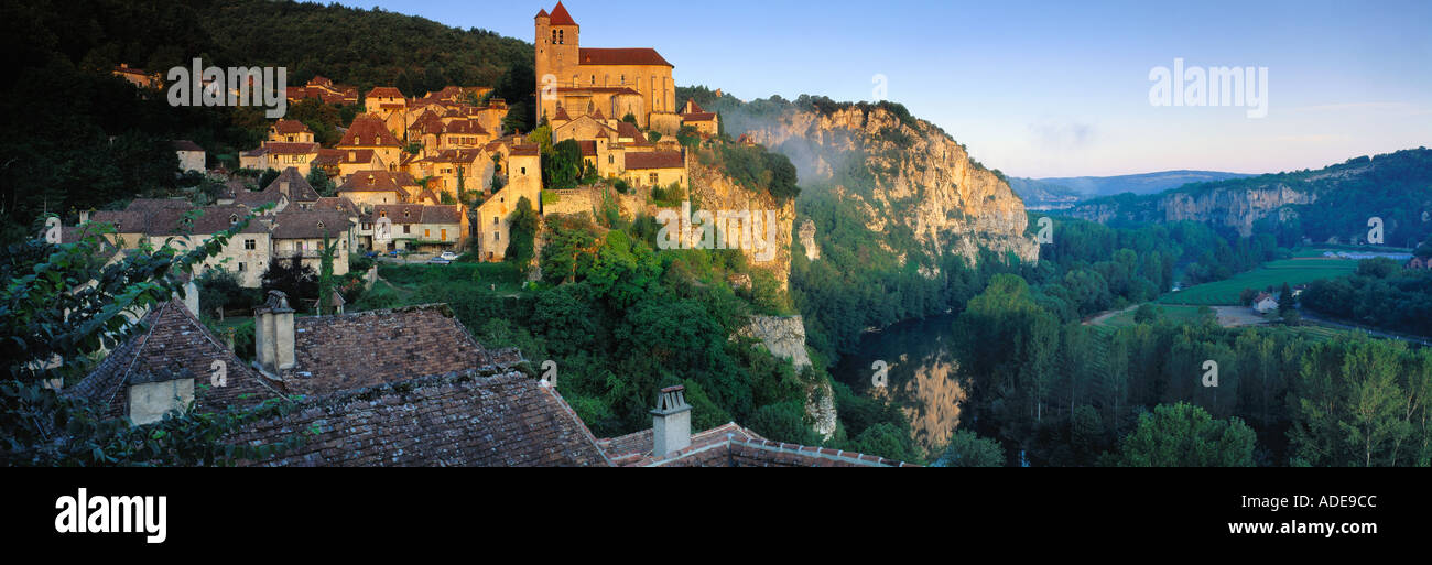 St Cirq Lapopie Lot Valley Quercy France - Stock Image