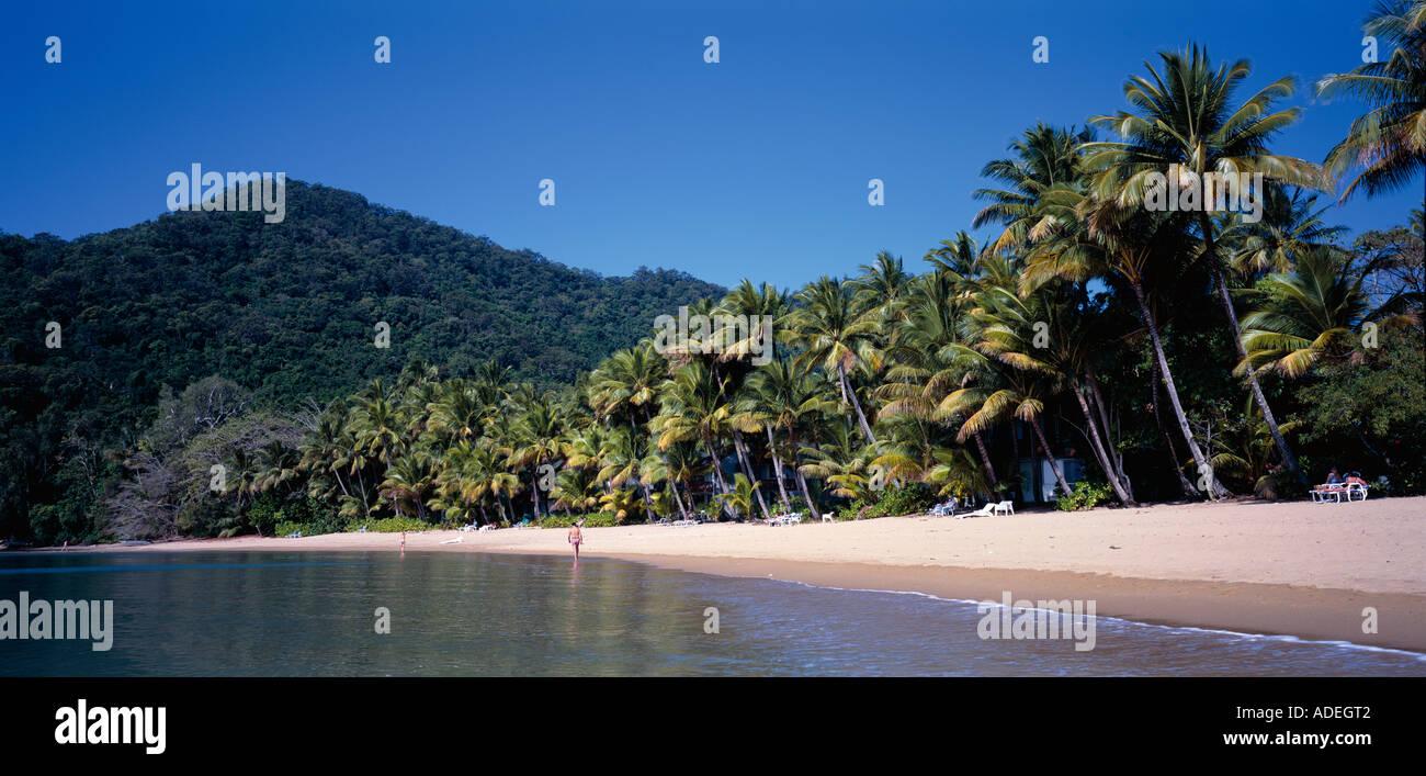 Australia. Queensland. Dunk Island. Tropical beach. - Stock Image