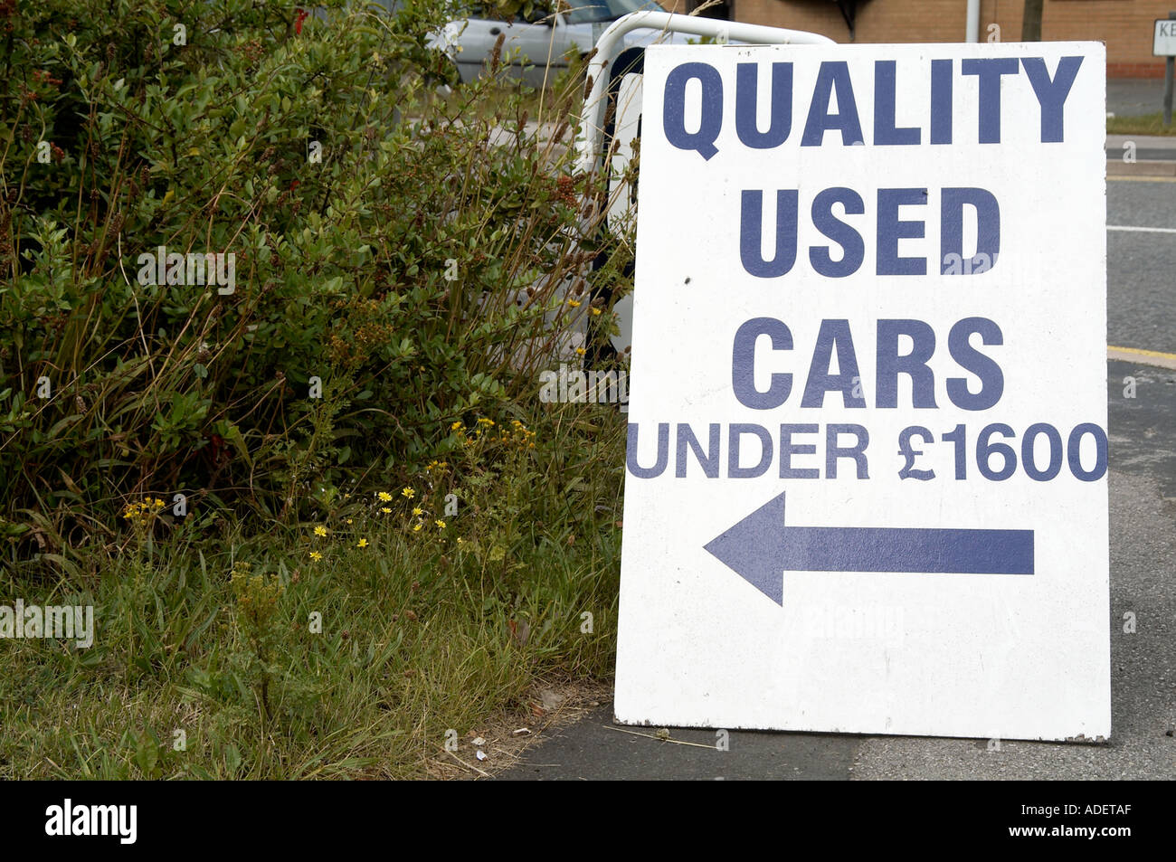 second hand car sales salesman banger old vehicle quality sign road ...