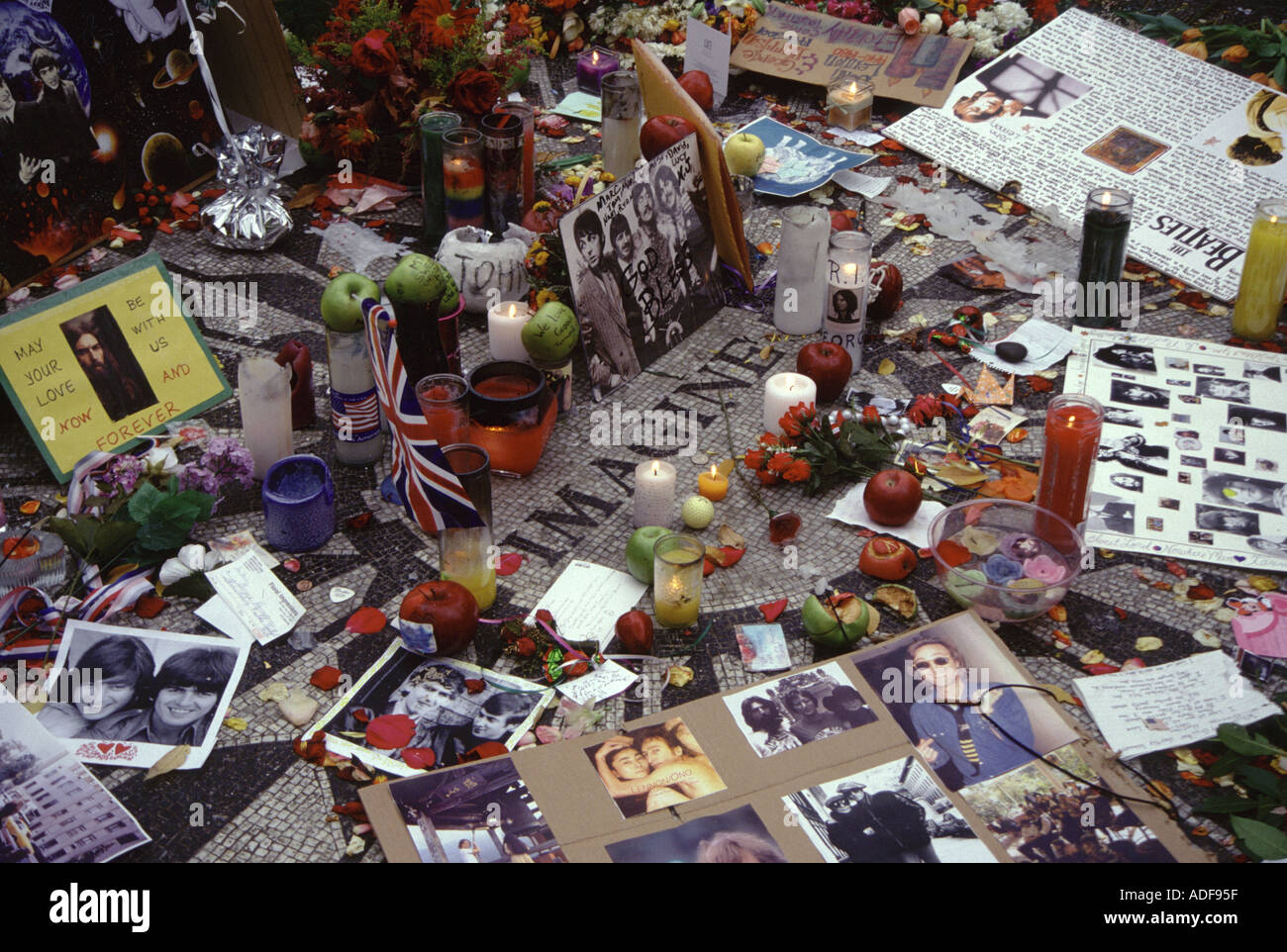 George Harrison memorial at Strawberry Fields in New York after his death in 2001 - Stock Image