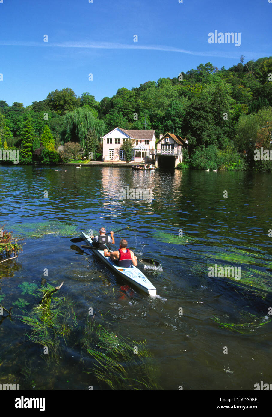 Canoeists near Henley on Thames - Oxfordshire - Stock Image